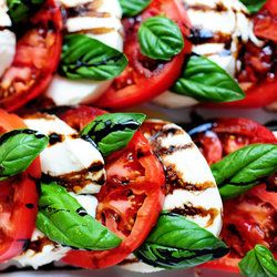 Caprese Salad — Punchfork http://punchfork.com/recipe/Caprese-Salad-The-Pioneer-Woman