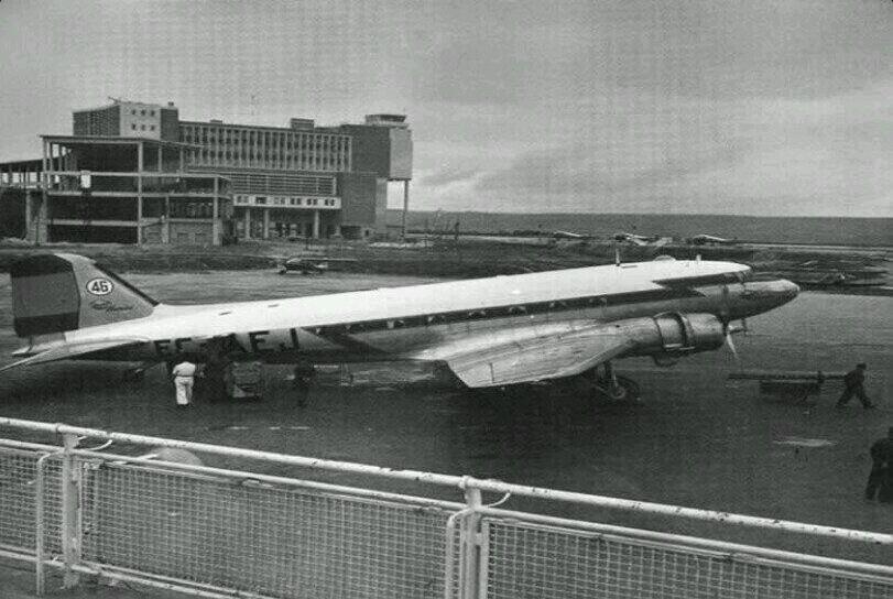 Aeropuerto de Barajas, en 1953. En este año se inicia la construcción de una nueva terminal