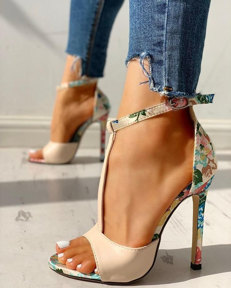 15d6d1861a5 Pin by Sewché on My shoe game Tight - Ladies Footware in 2019 | Shoes, Shoe  boots, High heels
