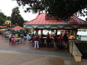 Dining Recon: Laguna Bar!