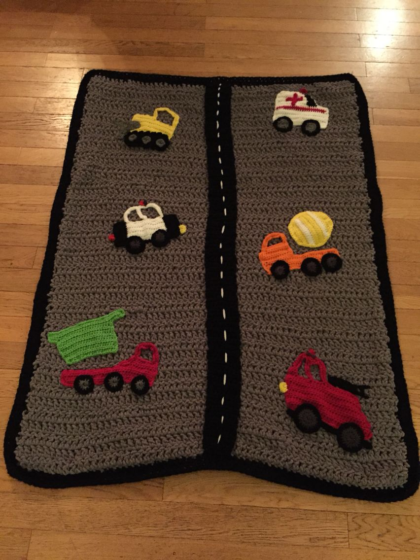 Free hand pattern with Bernat blanket yarn and appliqué patterns ...