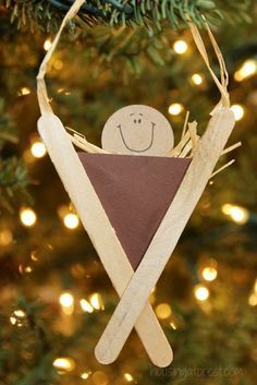 Christmas DIY: Nativity Craft for K Nativity Craft for Kids Popsicle Stick Manger #christmasdiy #christmas #diy