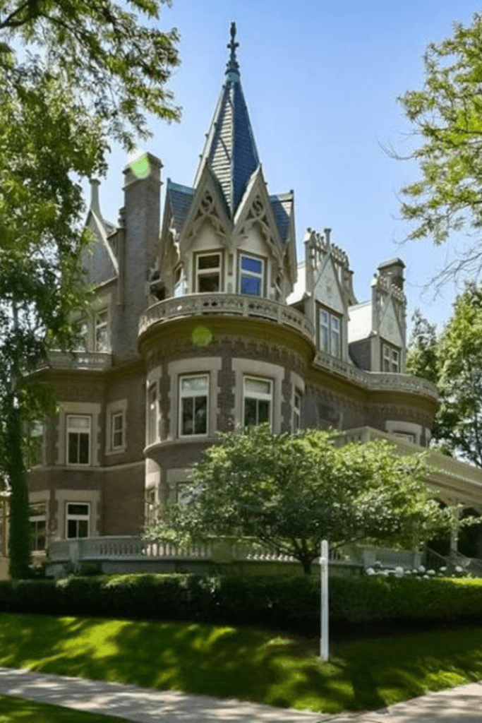 1896 Victorian Goldberg Mansion In Milwaukee Wisconsin Captivating Houses Victorian Homes Mansions Victorian Style Homes