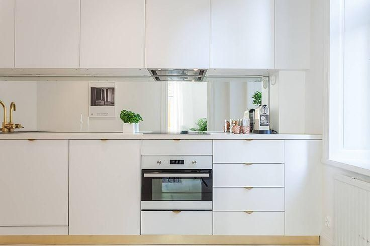 Cocinas en espacios pequeños | Diseños de cocinas pequeñas, Diseño ...