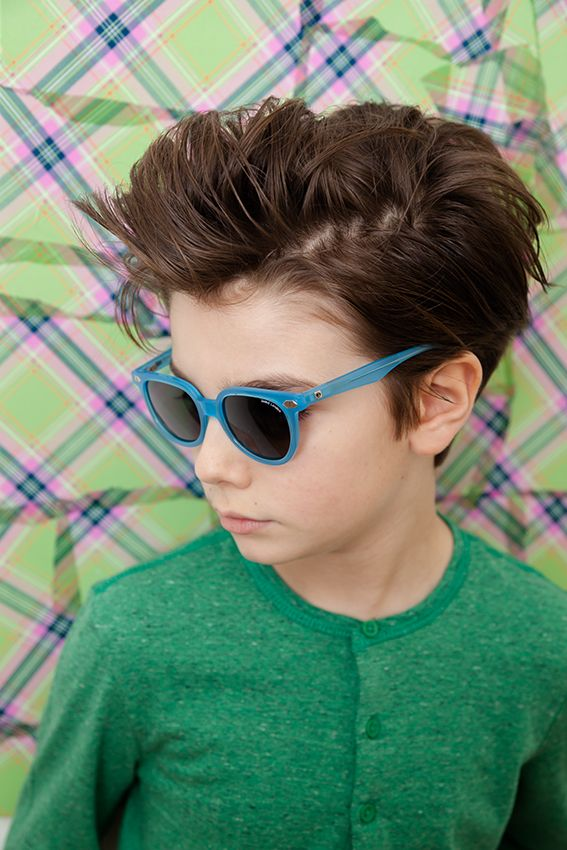 f7ed4b2b6ec1 Zoobug are know for their strong colour choices but do also have a simpler  aviator style too for kids eyewear