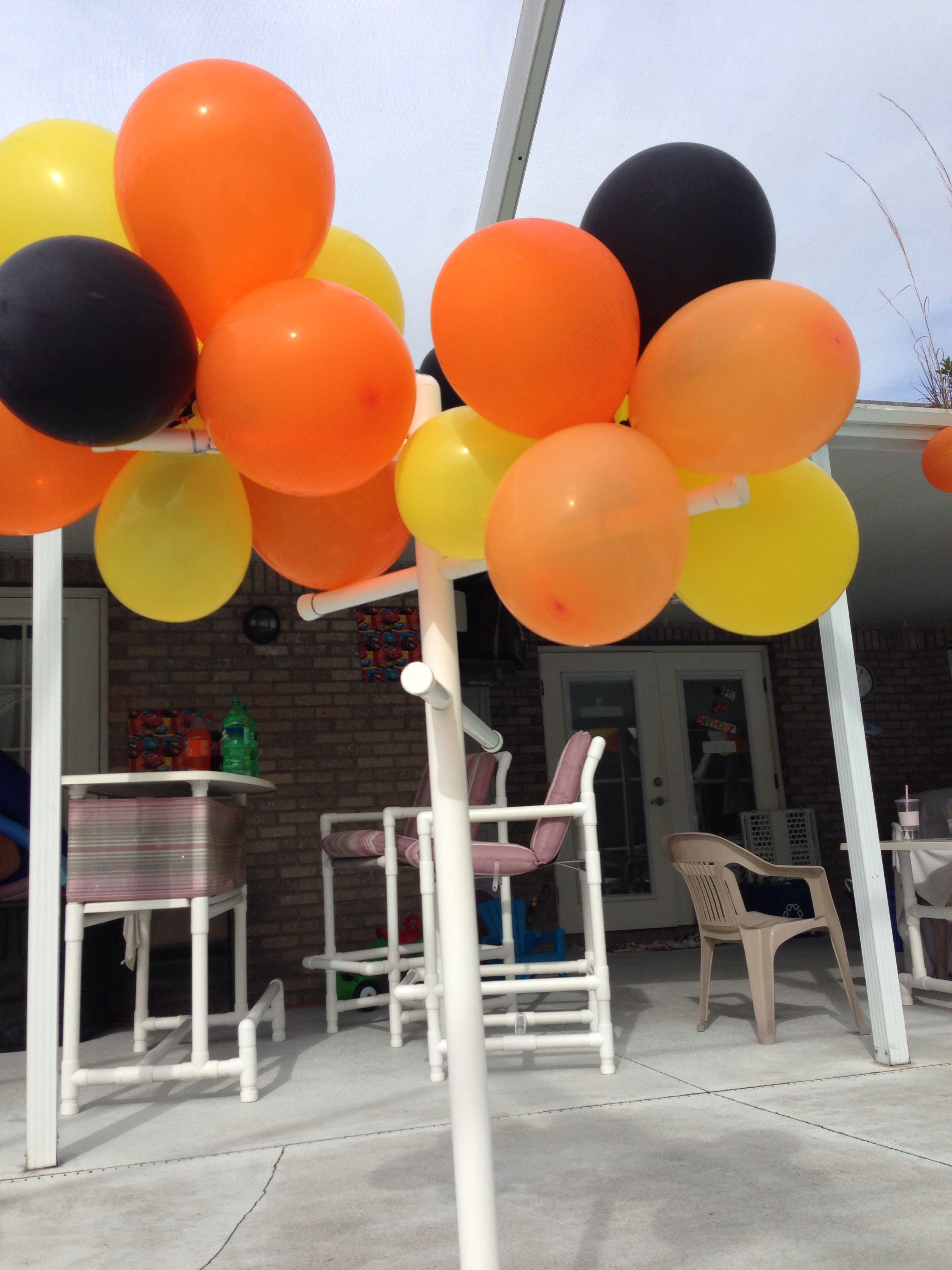 Balloon bunch cake pops truck party balloons