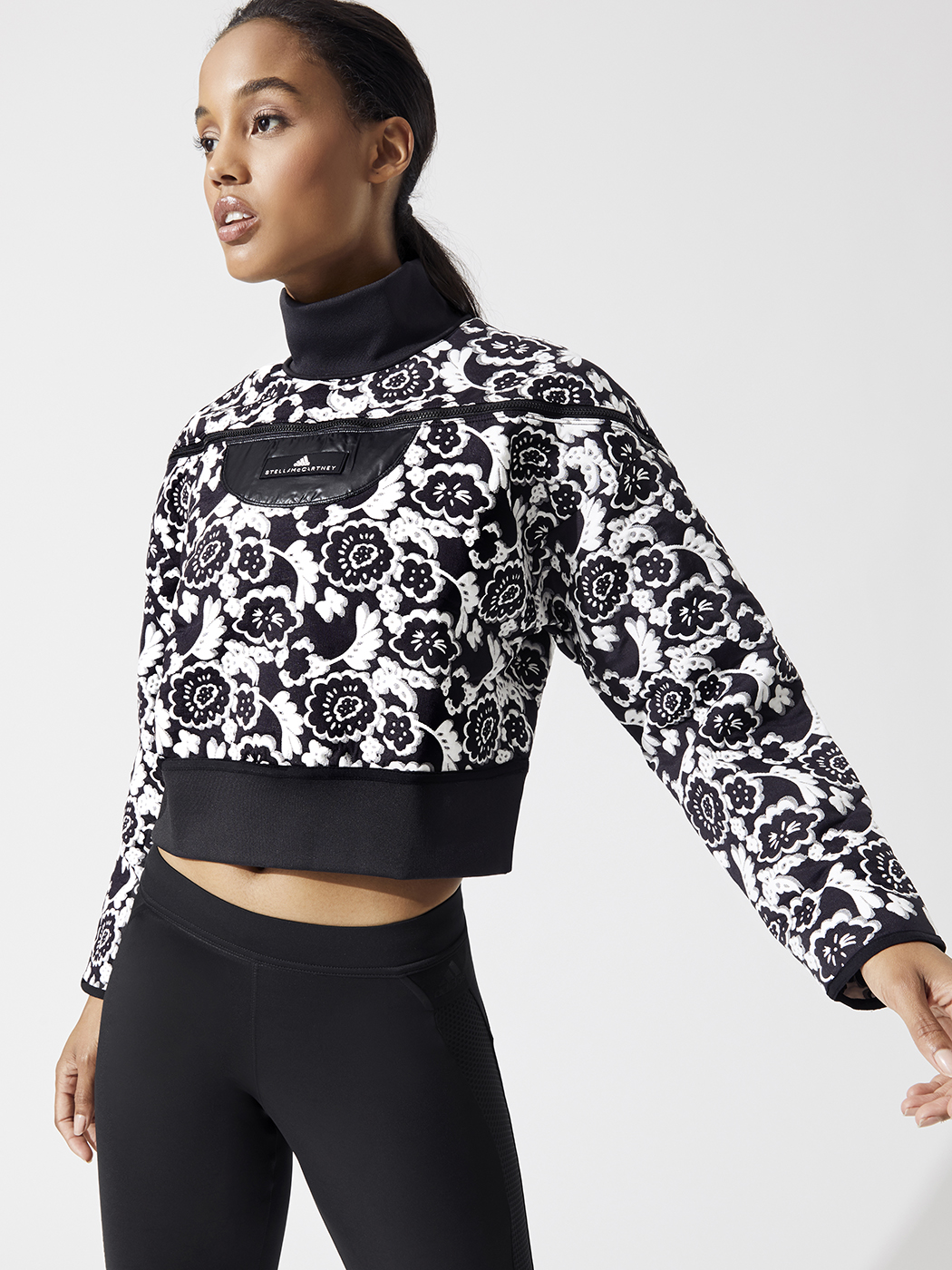 02b571fe5817b Run Sweater Sweatshirts in Black/white by Adidas By Stella Mccartney from  Carbon38