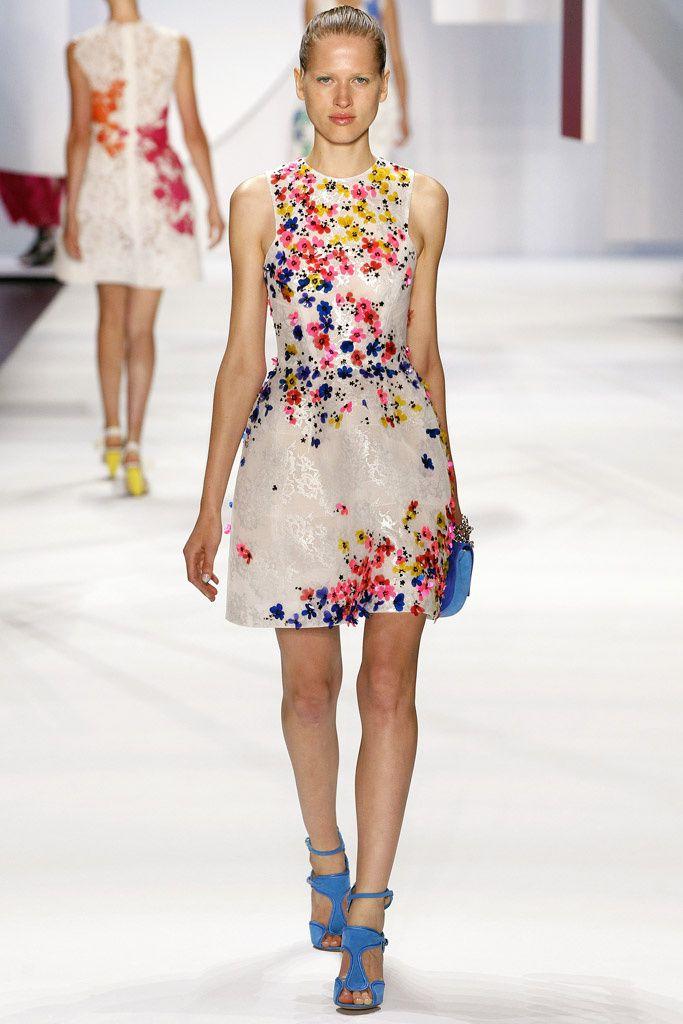 Fotos de Pasarela | Atuendos de moda, Patrones de costura y Vestiditos