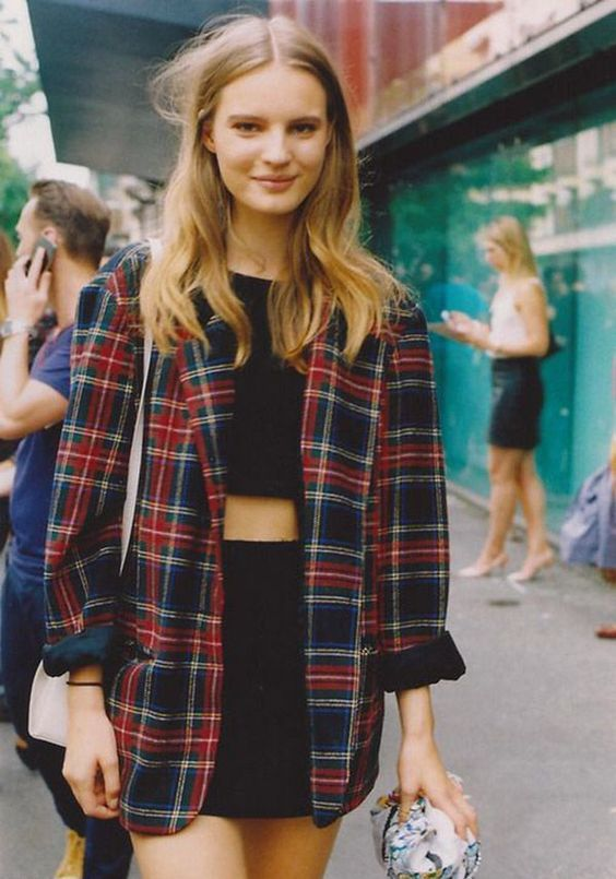 35 Stylish 90s Outfits That Made A Huge Comeback! #outfits4school