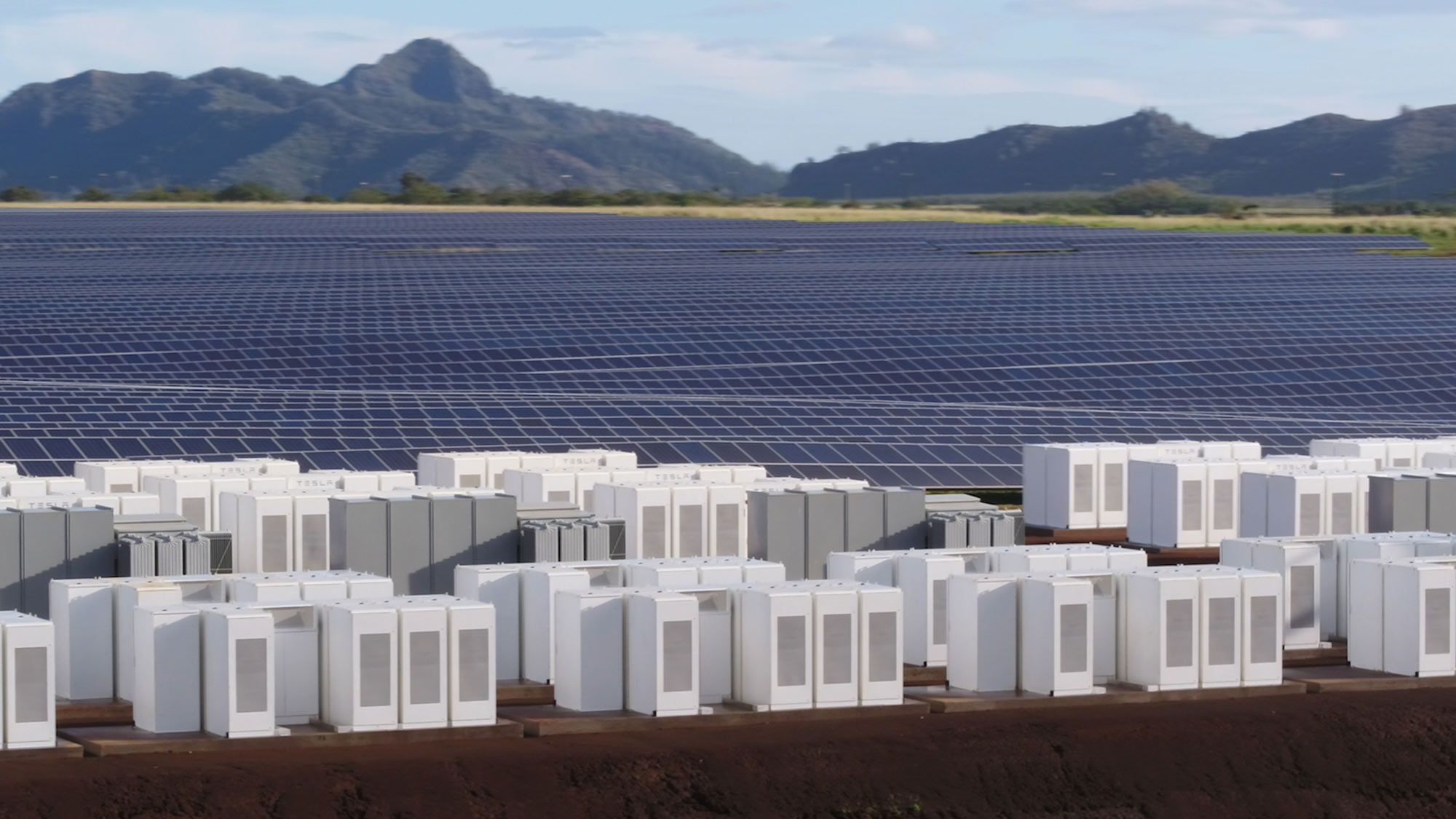 Tesla Completes Hawaii Storage Project That Sells Solar At Night Solar Farm Renewable Energy Tesla Solar Roof