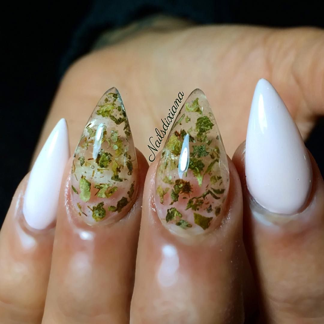 Weed Nail Art Using Actual Marijuana Popsugar Beauty Nailz