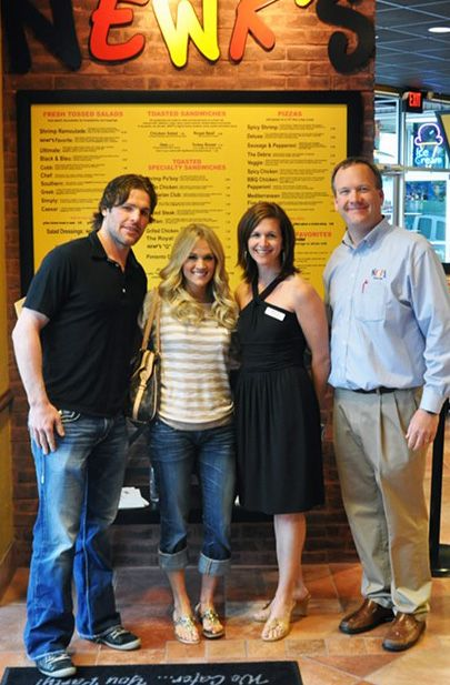 Fun Carrie Underwood Hockey Hubby Mike Fisher Were Part Of Our Newk S Cool Springs Location Carrie Underwood Carrie Underwood Family Carrie Underwood Style