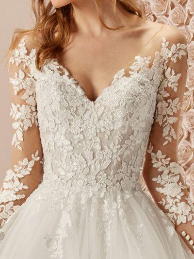Espectacular vestido de novia princesa con efecto tatuaje Pronovias,  #abitodasposaprincipessa #con #efecto #Espectacular #novia #princesa #Pronovias #tatuaje #Vestido