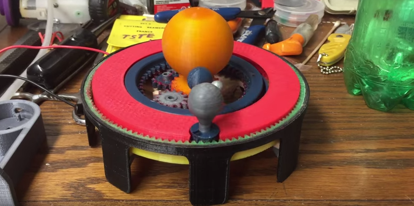 3D Printed Solar System – Man Creates a Working Orrery