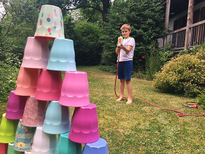 idee f r die sommerferien lustige wasserspiele basteln mit kindern pinterest. Black Bedroom Furniture Sets. Home Design Ideas