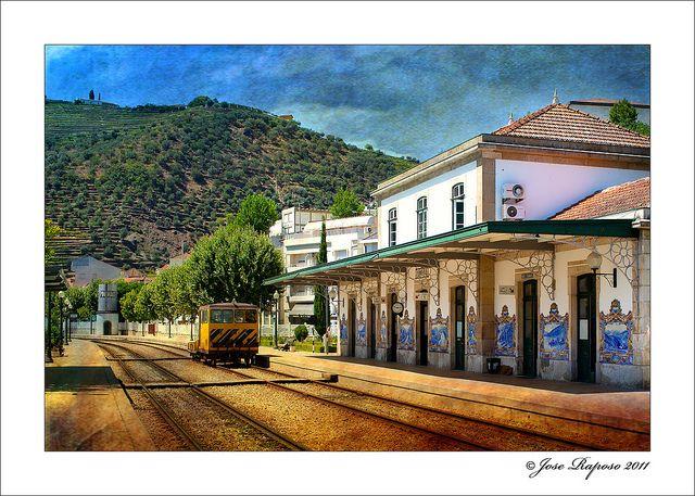 Pinhão, Portugal by jraposo3072