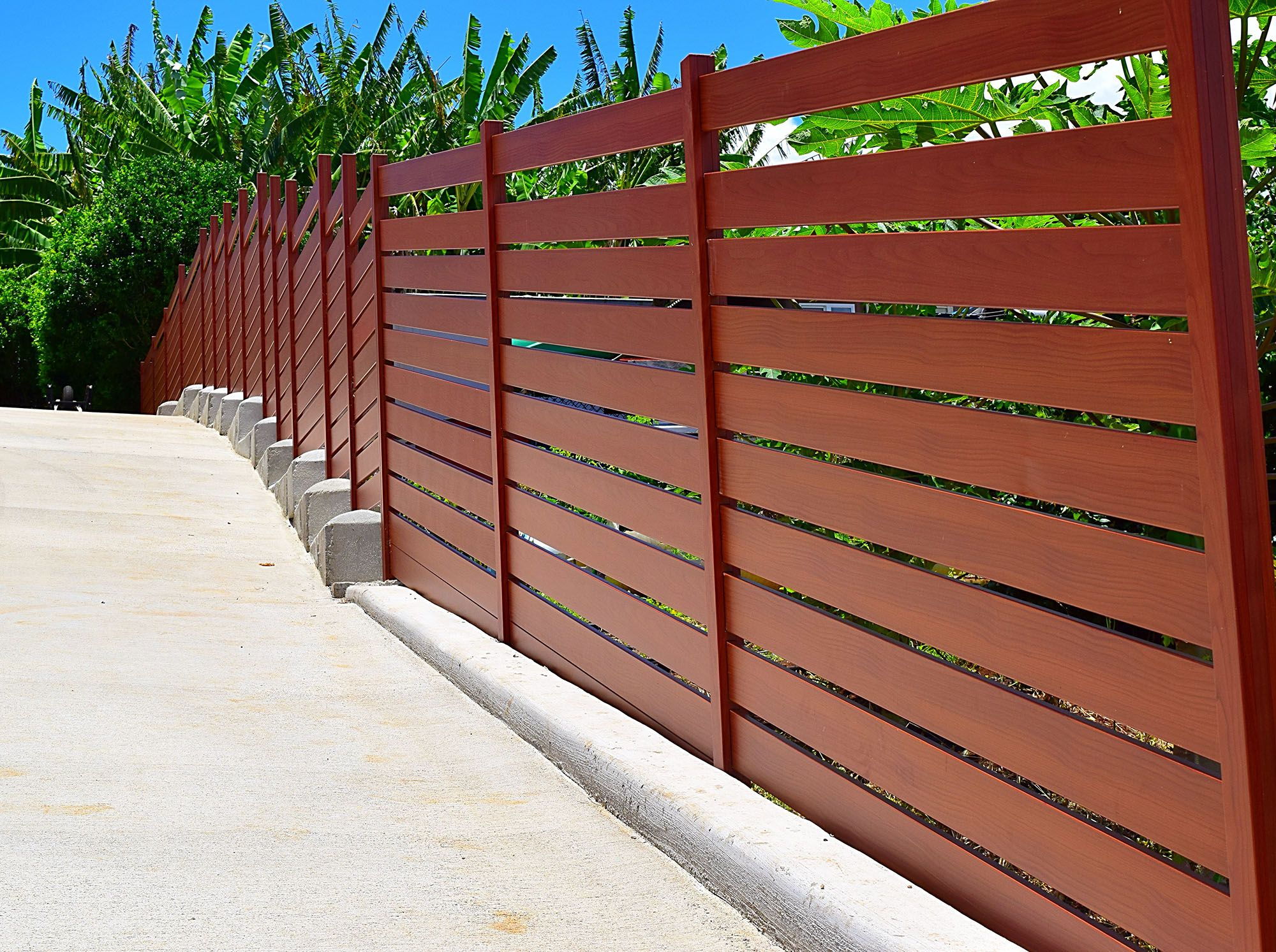Knotwood Aluminum Fencing Uses A Patented Concealed Fastening System Which Hides Unsightly Screws And Rivets Wooden Gate Door Aluminum Fencing Wooden Gates