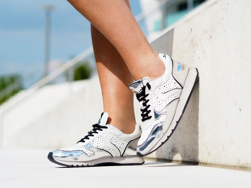 Voile Blanche Julia Mesh # sneakers in white and silver for a sunny