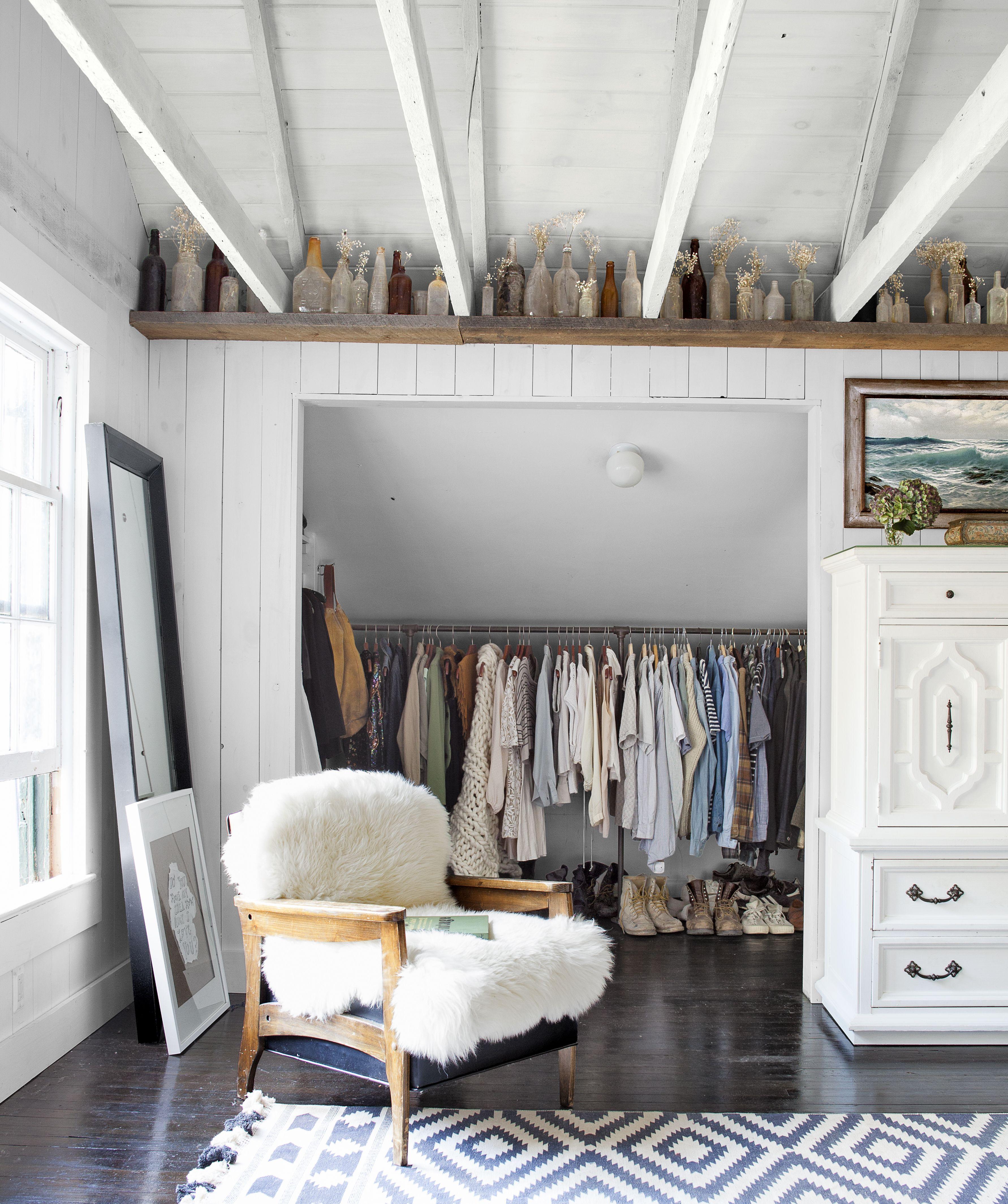 klädkammare i vindsalkov | attic ideas | pinterest | inredning