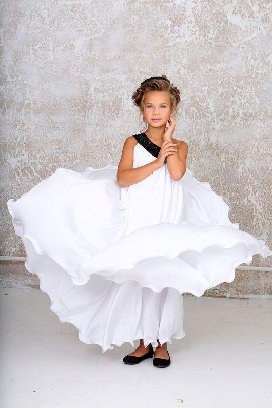 Девушка модель платья для работы работа с самооценкой девушки