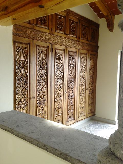 Muebles tallados finos talla en madera pinterest for Muebles tallados en madera
