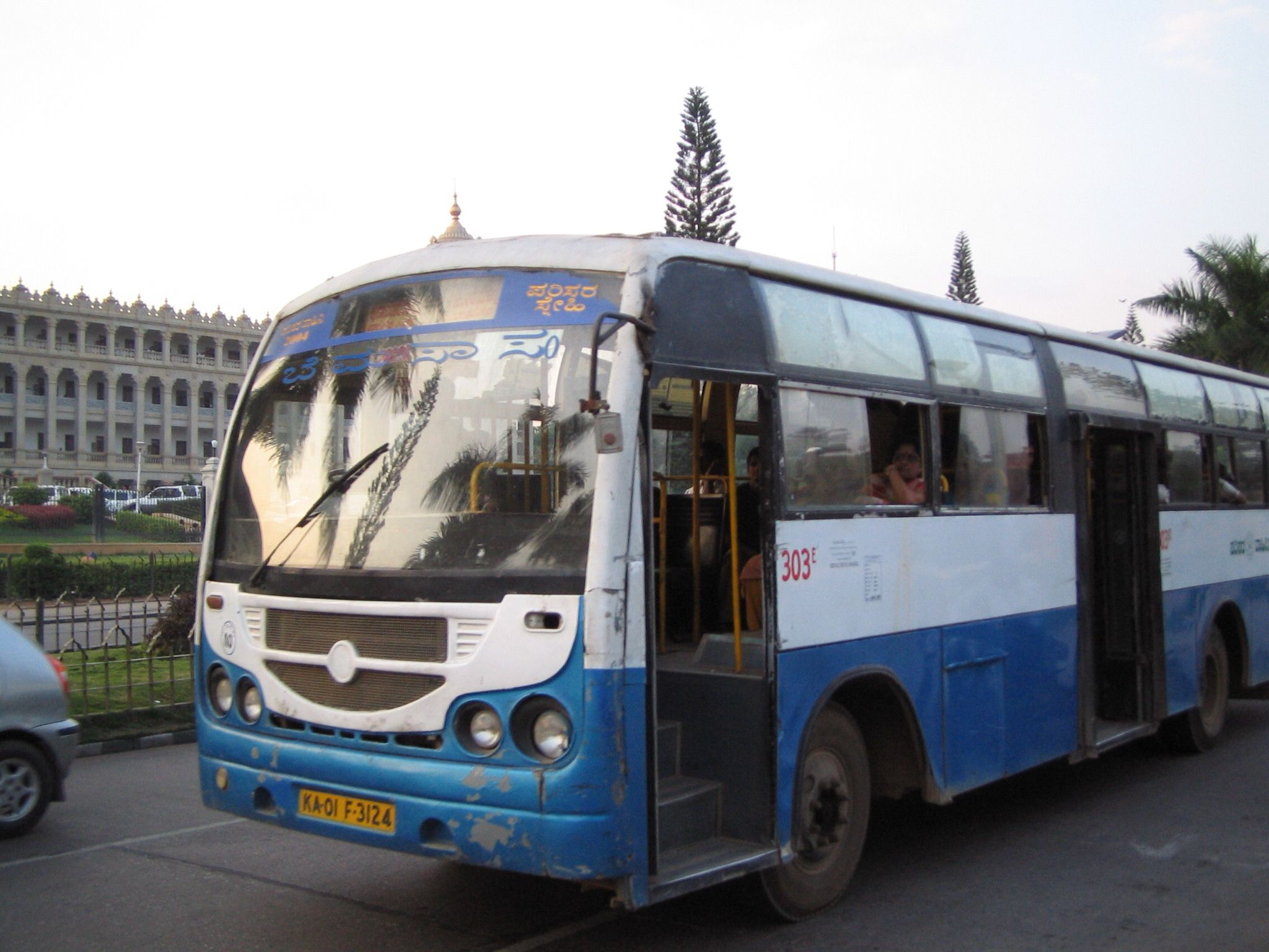 India Corvette Bus To Go