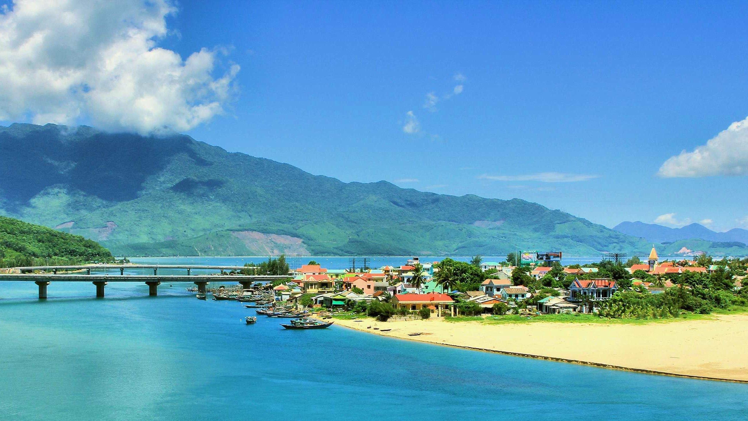 Kết quả hình ảnh cho Lang co Beach