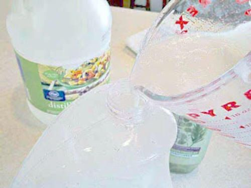 Gli ammorbidenti chimici sono nocivi per la nostra salute. Imparate a prepararli in casa.