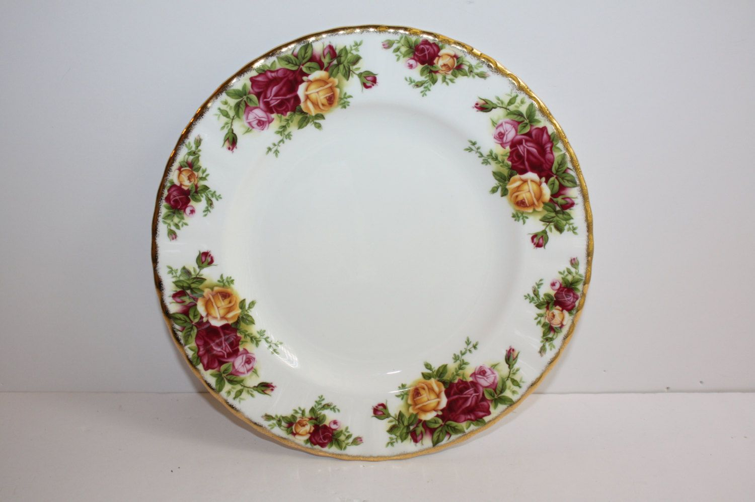Vintage Royal Albert Old Country Roses Salad Plate 8 Dessert Plate Bone China Made In England Floral Dessert Plate Replacement Plate Floral Dessert Dessert Plate Country Roses