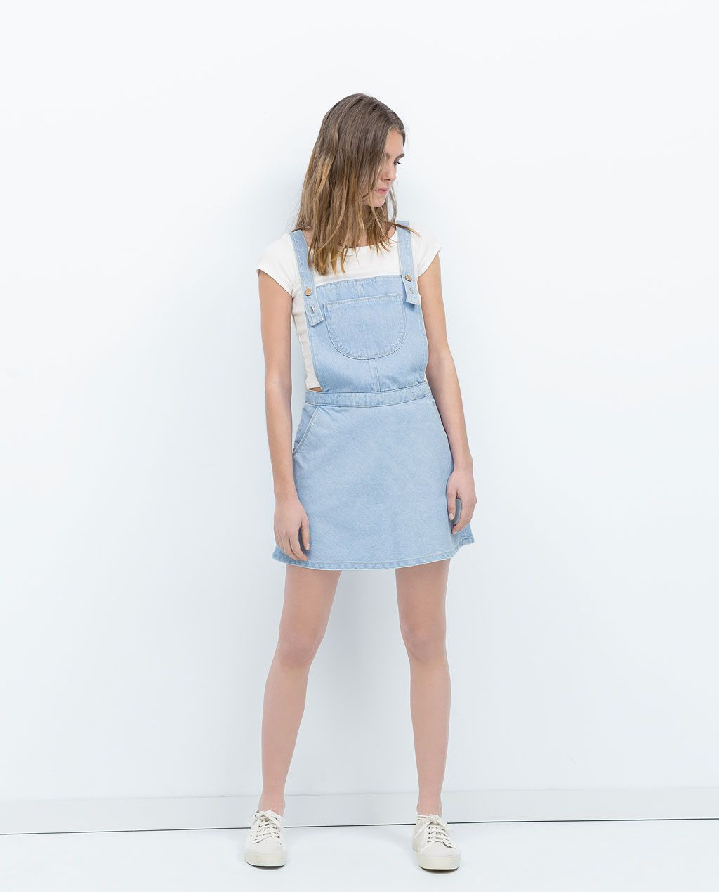 0a84dc6a13a65c Image 1 de JUPE SALOPETTE de Zara   J e a n s   Salopette jupe ...