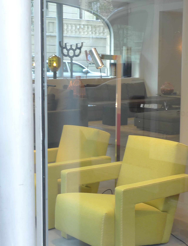 Mahari Floor Lamp Polished Chrome Showroom In Paris