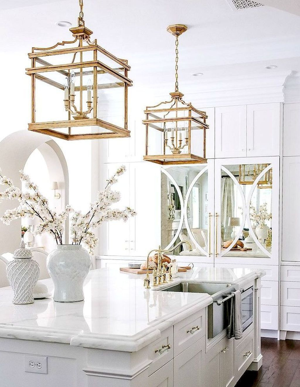 Love The Gold Pendant Lamps Over The Island Maybe Not Those