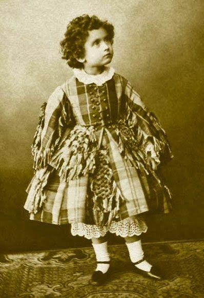 Historia de la Moda y los Tejidos: Moda en los Museos: El