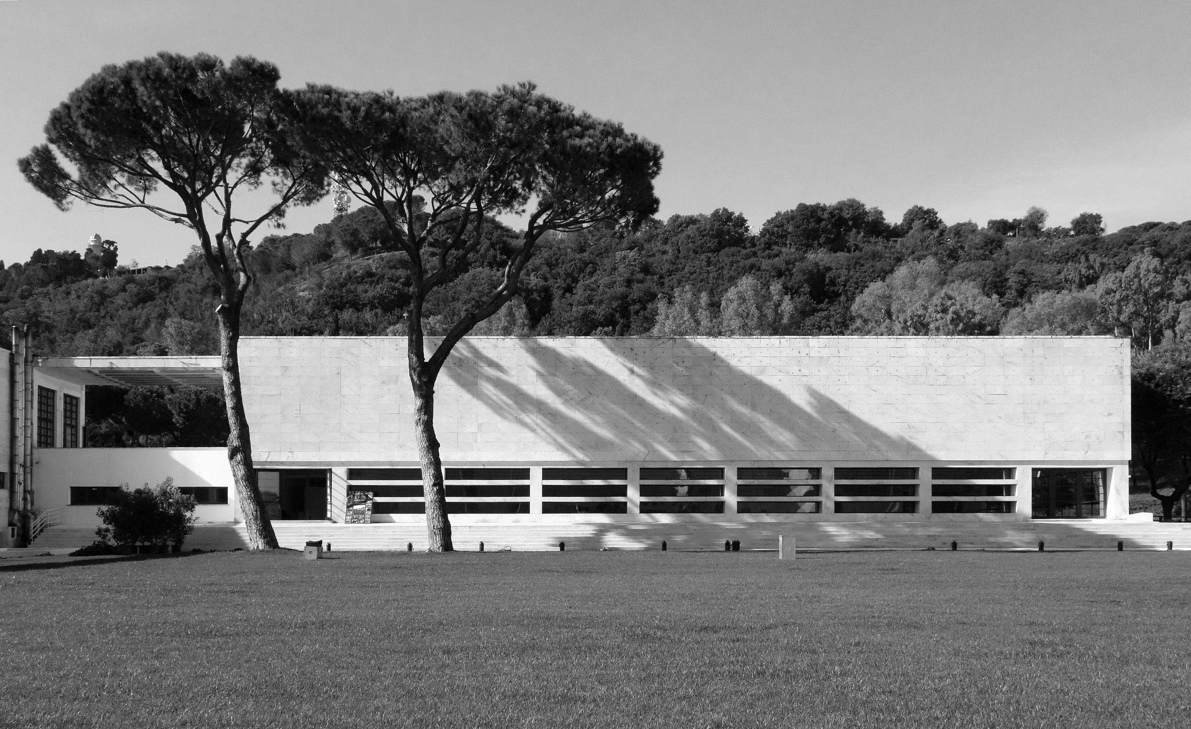 Casa delle armi a roma 1933 1936 luigi moretti rome for Casa design roma