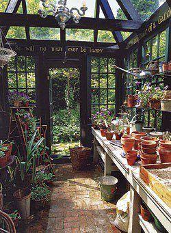 Cabane de jardin en verrière. | balco\' | Pinterest | Beeswax candles ...