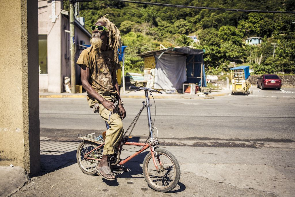 Video This Is Jamaica Sepeda