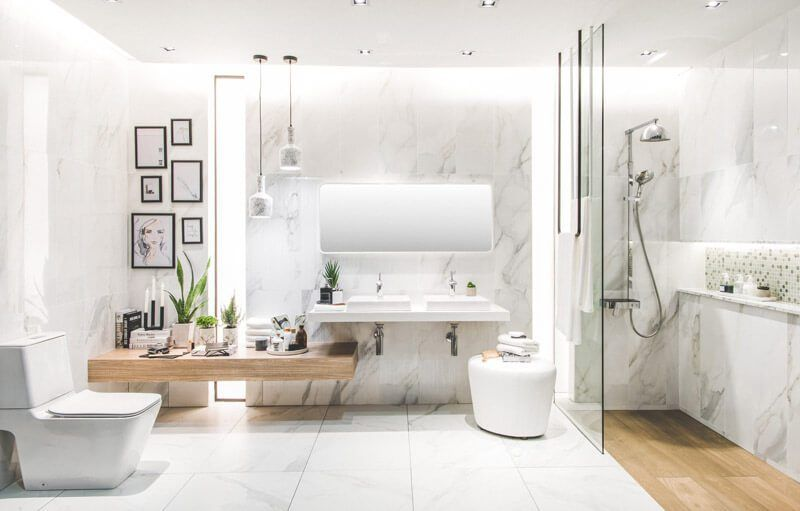 Modern Master Bathroom Design Ideas For Your Dream Home Avenly Lane Clean Beauty Skincare Products Modern Master Bathroom Design Bathroom Renovation Trends Master Bathroom Design