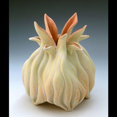 Roberta Polfus | Wheel thrown and hand build grolleg porcelain