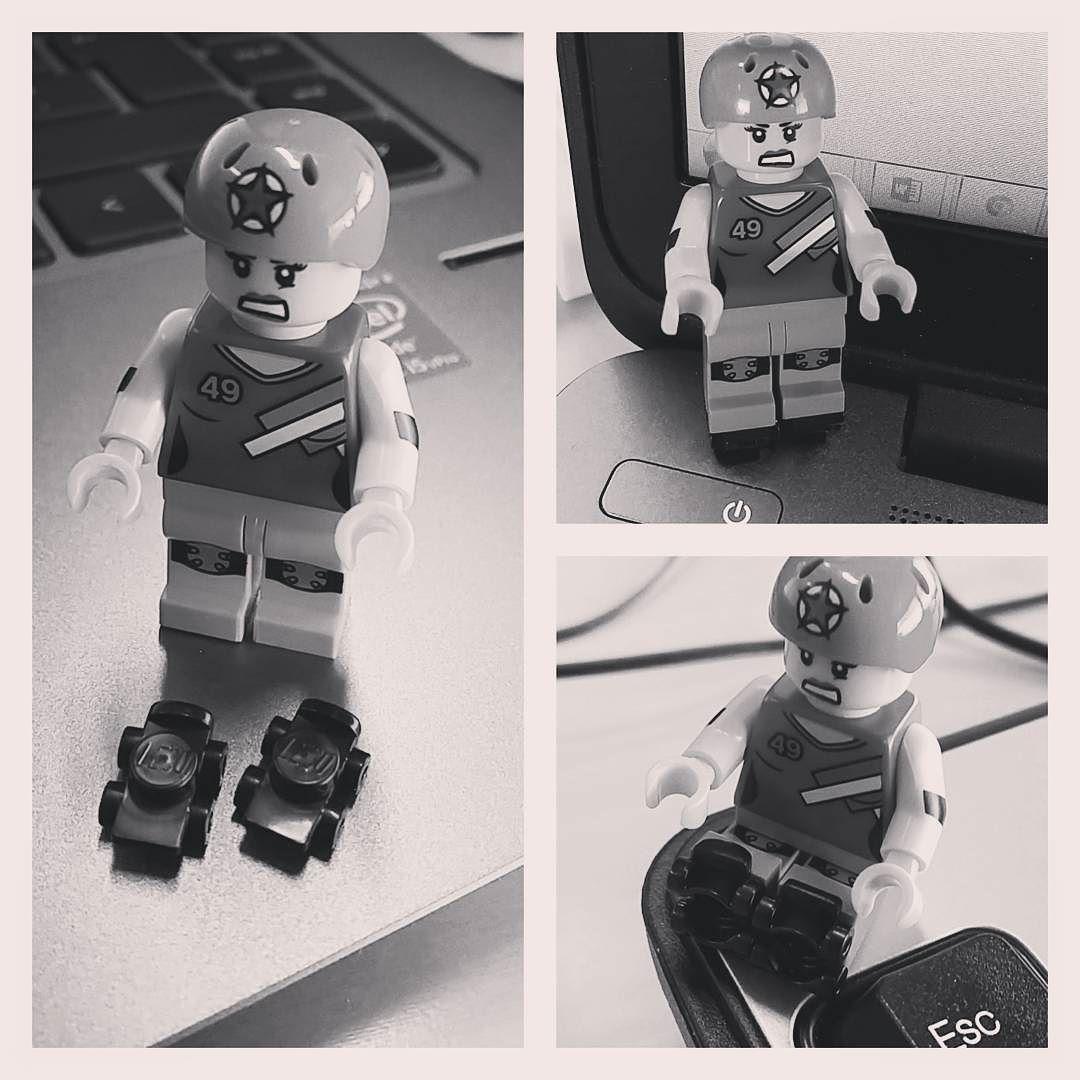 Uus työkaveri odotti tänään toimistossa!  Kiits @sanjasis #omanelämänsuperjammeri #rollerderby #lego by fux112