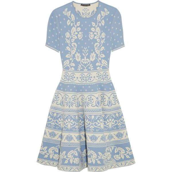 Alexander McQueen Stretch jacquard-knit mini dress (95.920 RUB) ❤ liked on Polyvore featuring dresses, blue fitted dress, print dress, blue dress, mini dress and knit dress
