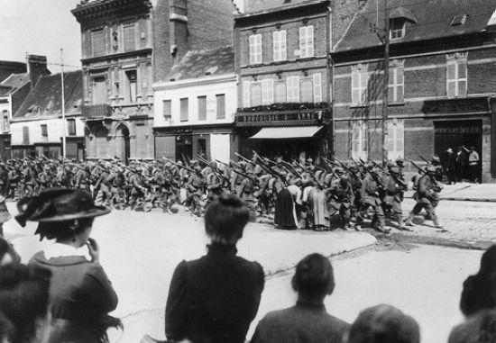 Entrée des troupes allemandes à Amiens le 31 août 1914