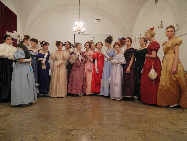Lovely ladies from an 1830s ball in Warsaw.