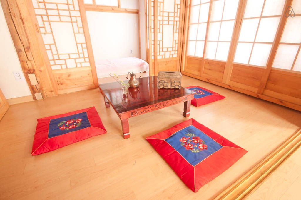 Pin By John Chan On Korean Design Traditional House Interior Design Dining Room Home Design Living Room