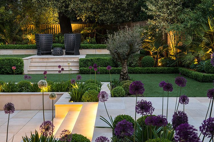 Clean and contemporary outdoor spaces for Gartenidee hanglage