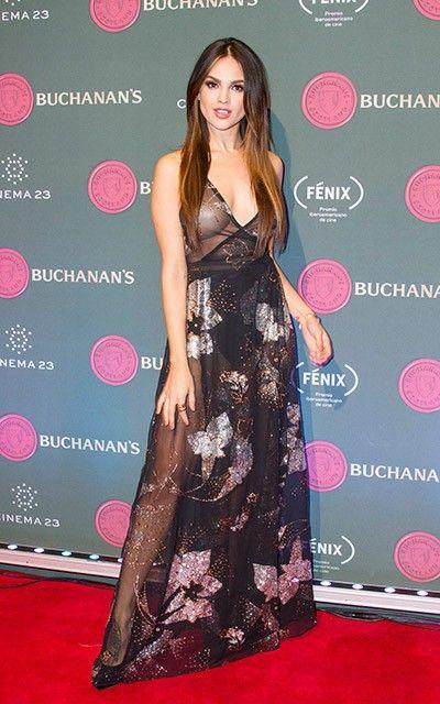 Eiza González Sorprende Con Espectacular Vestido En Su