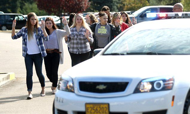 Umpqua Community College survivors tell stories from inside the shooting in Oregon | Daily Mail Online