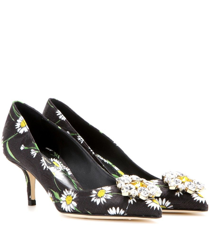 a5c155fd9aef36 Dolce   Gabbana - Verzierte Kitten-Heel-Pumps Bellucci aus Brokat -  Klassische Pumps bekommen bei Dolce   Gabbana einen ultrafemininen Appeal.