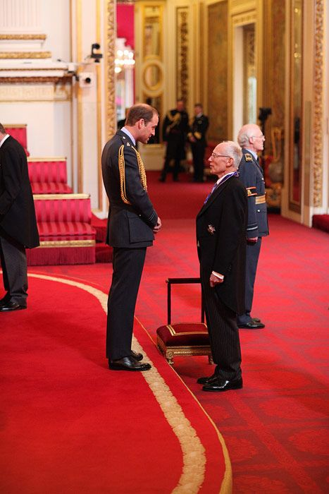 Prince William Honours Royal Doctor Who Delivered Prince George Prince George Prince William Michael Palin