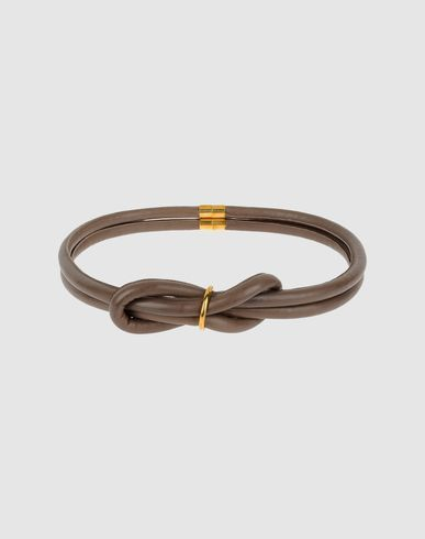 Knot belt with magnetic closure. By Royal Blush.