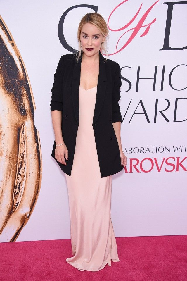 You Won\'t Believe How Affordable Lauren Conrad\'s Red Carpet Look Is
